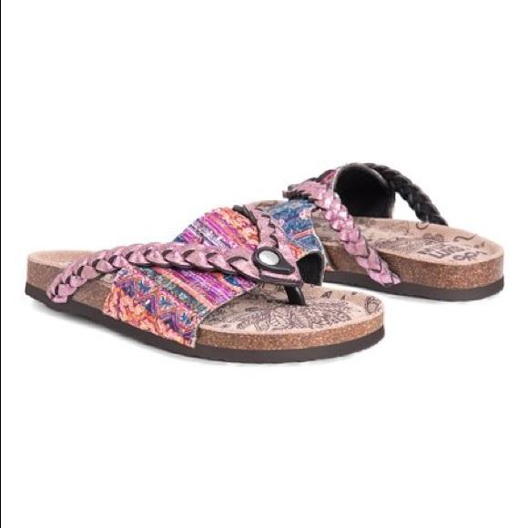 5016edbd6597 Muk Luks purple Elaine sandal